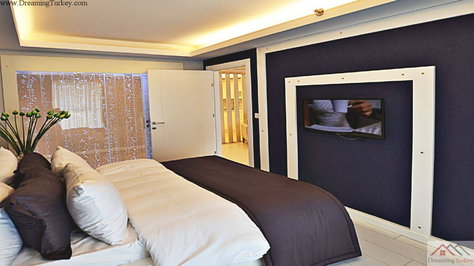 2-Bedroom Apartment inside a Complex in Istanbul