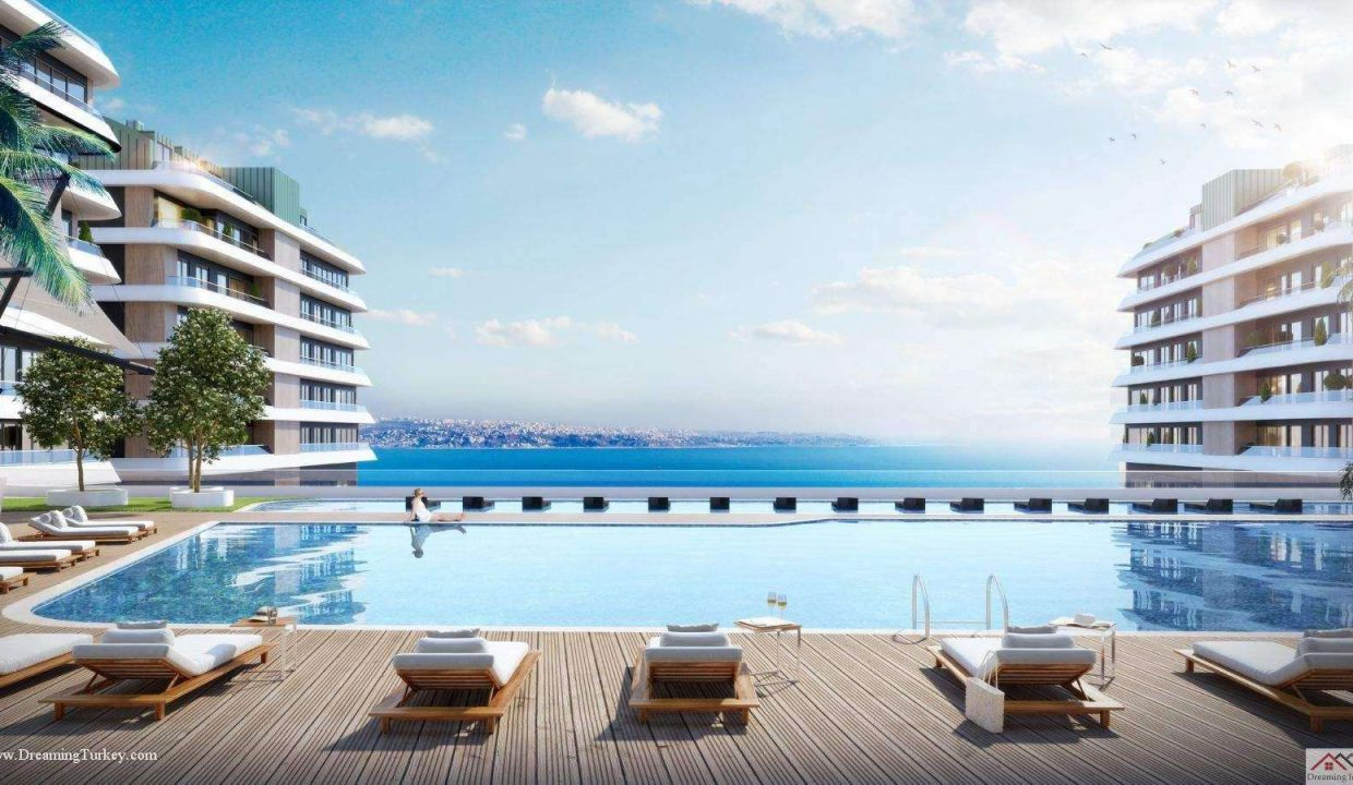 Apartment inside a Coastal Complex in Istanbul Tranquility Pool