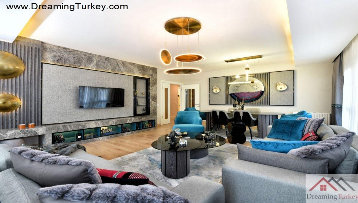 Apartment with a Sea View in Istanbul Living Room