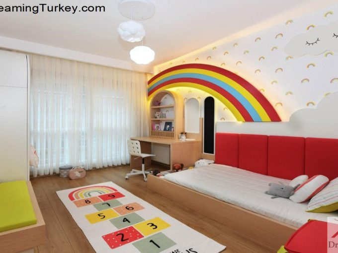 Apartment with a Sea View in Istanbul Girl's Room