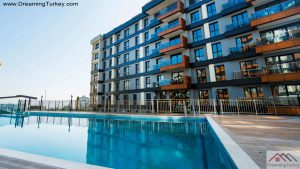 Apartment Near the Beach in Istanbul Swimming Pool