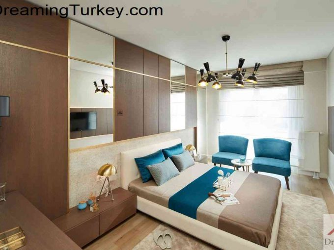 Apartment in a Complex with a Lake View in Istanbul 1+1