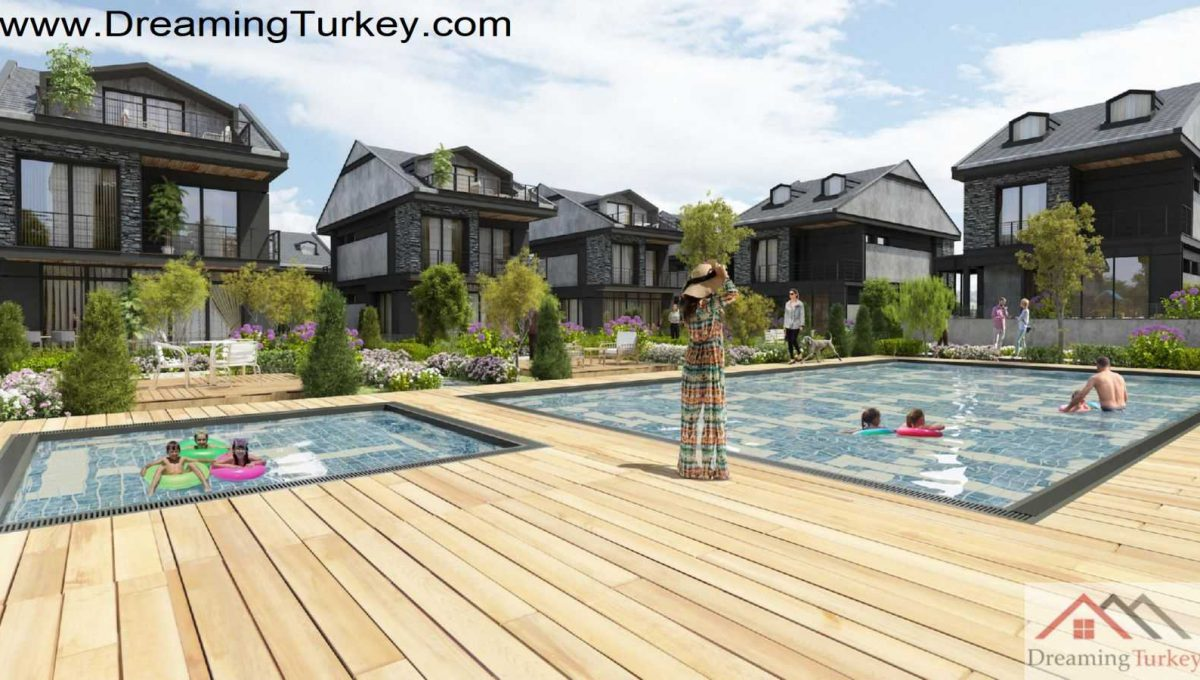Swimming Pool in Triplex Villa with a Sea View in Istanbul