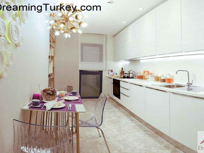 Luxury Complex with an Artificial Lake in Istanbul 3.5+1
