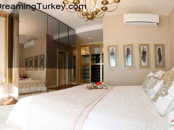 Luxury Complex with an Artificial Lake in Istanbul 3+1
