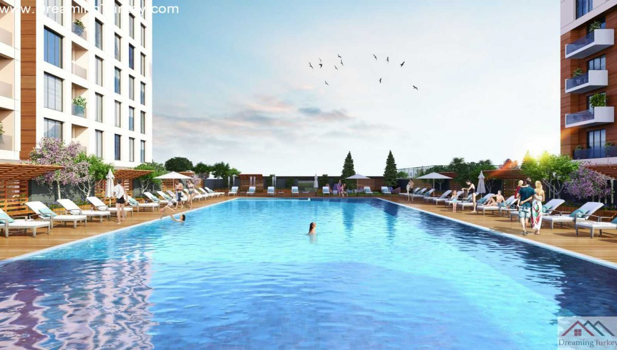 Swimming Pool in a Fully Equipped Complex in Istanbul