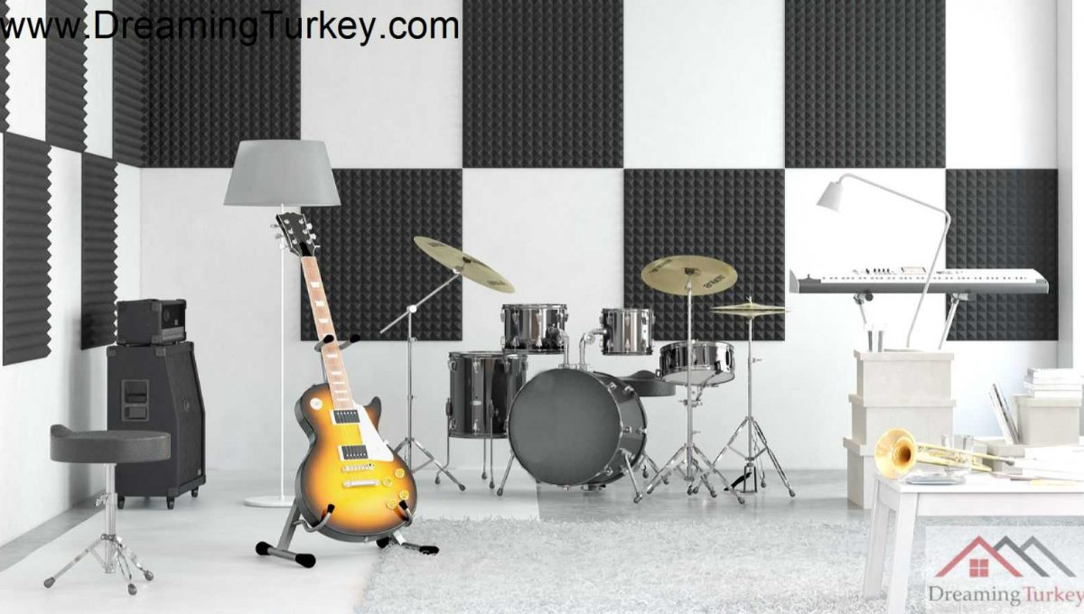 Music Room in a Smart Complex Next to the Highway in Istanbul