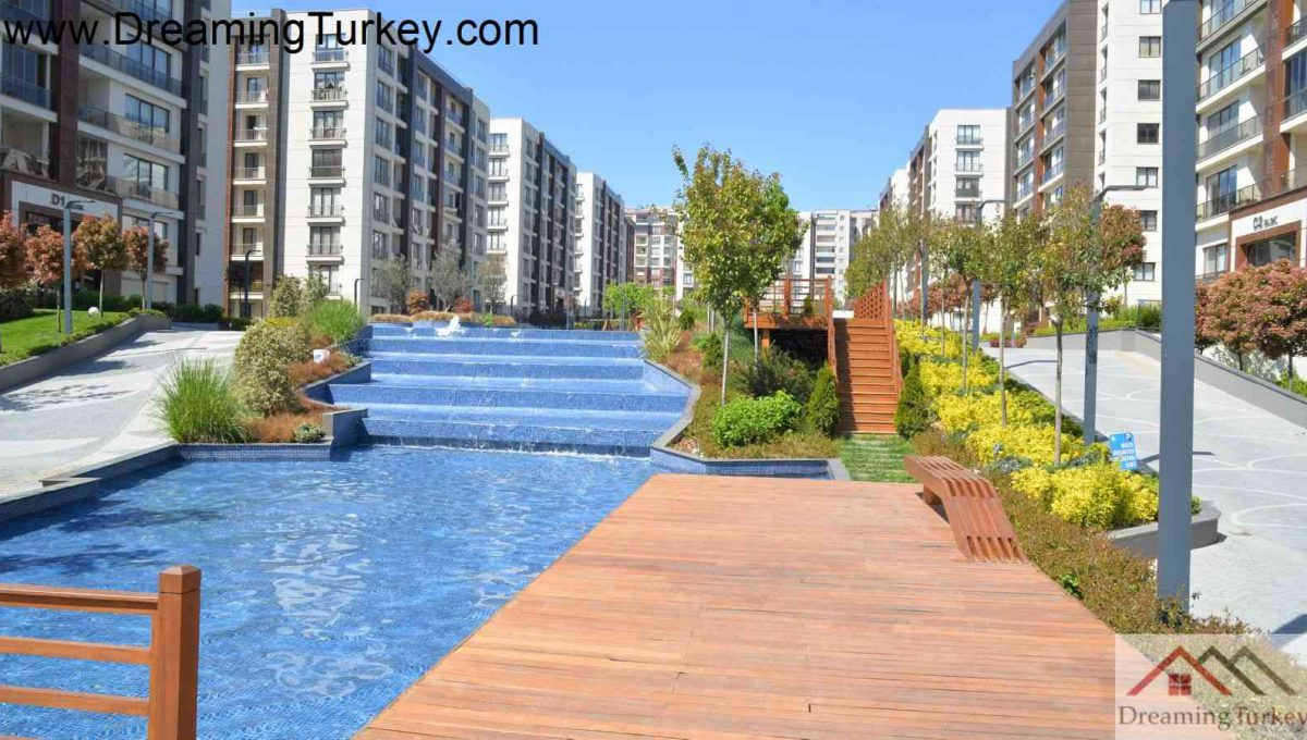 Apartment Inside a Complex with Nature Views in Istanbul 2
