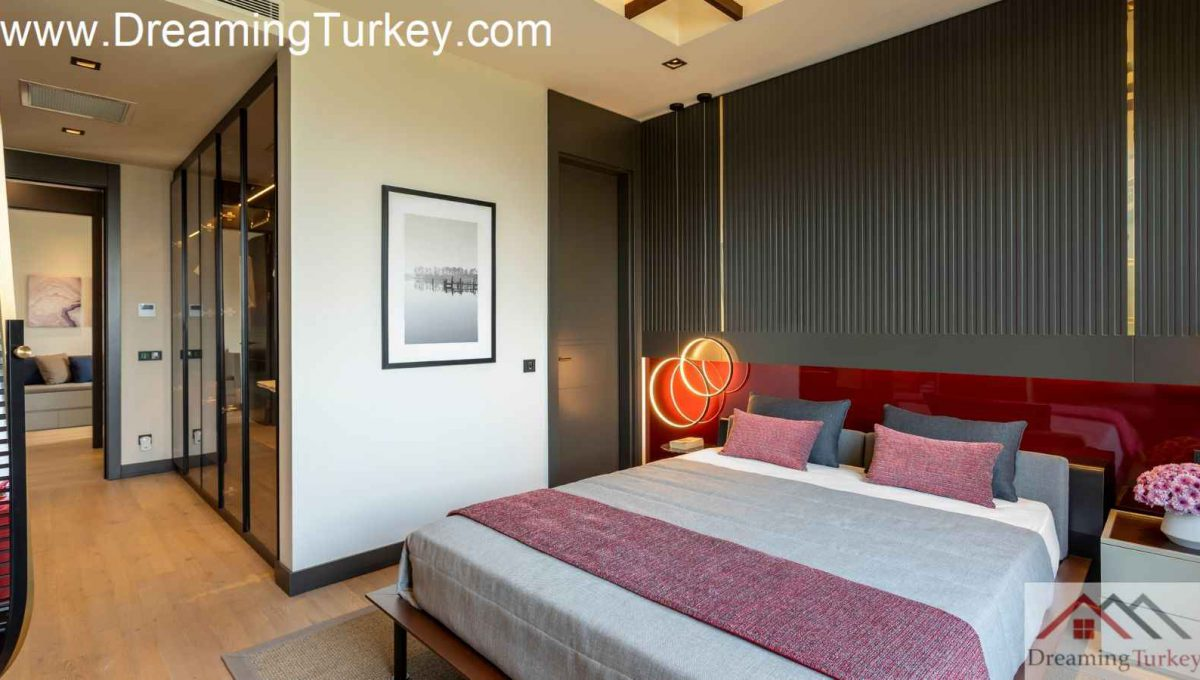 Bedroom Villa with a Lake View in a Complex in Istanbul 1