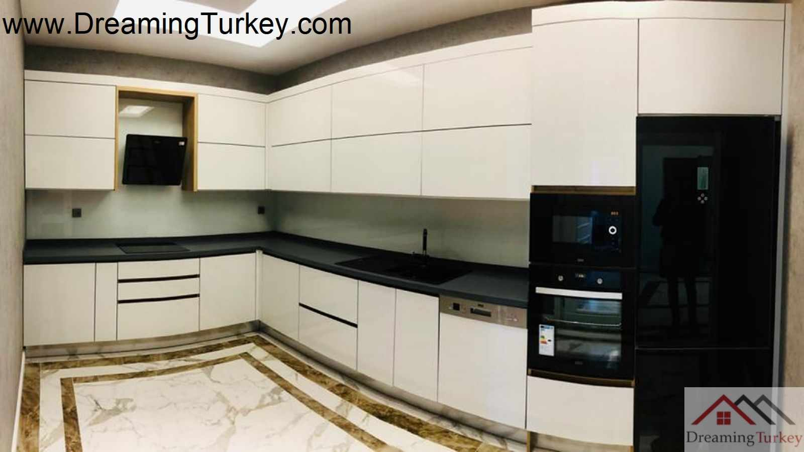 1-Bedroom Apartment in a Modern Complex Near the Metrobus